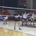 Here is set point for @MissouriStateVB as they win 25-20. #MSUBears #MVCVB @LilyJ17 serves @ashley_ophoven kill https://t.co/mVsGtYI1oH