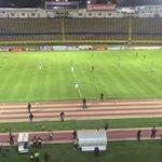Los jugadores de @UCatolicaEC y @ClubMushucRuna1 se paralizaron durante un minuto en el inicio del partido. https://t.co/eJwH6OLbxW