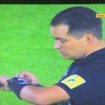 DE NO CREER  Los jugadores de Católica y Mushuc Runa le dan la espalda al balón durante 1 min como respaldo a la AFE https://t.co/gdm6eYNpx9