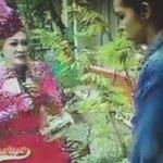 Lola Babah talking to Yaya Dub! Ano pinaguusapan nila?! #ALDUBStaySTRONG https://t.co/J6yHlE1Q8R