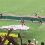Comemoração no escudo do Luis Fabiano após o gol. @sombra97fm @sergiopatrick @globoesportecom @GoalBR https://t.co/kTgpKqqPfa