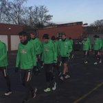"""Die Grün-Weißen betreten Stadion """"Platz 11"""" am Dienstagmorgen. Gleich beginnt die erste Schicht. #Training #Werder https://t.co/ZYTje7EosD"""