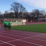 Jetzt drehen die Profis ein paar Runden! ???? #Training #Werder https://t.co/tk44ji0kRv
