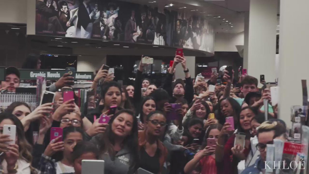 Thank you SD dolls that came to my book signing!!! Wanted to show you what happened BTS! https://t.co/b5Il62eHGh https://t.co/znbuRJfCUh