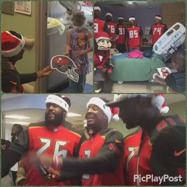 Your @TBBuccaneers rookies including @Jaboowins & @DSmith_76 visiting kids at All Children's Hospital https://t.co/KgpB1R8Jaj