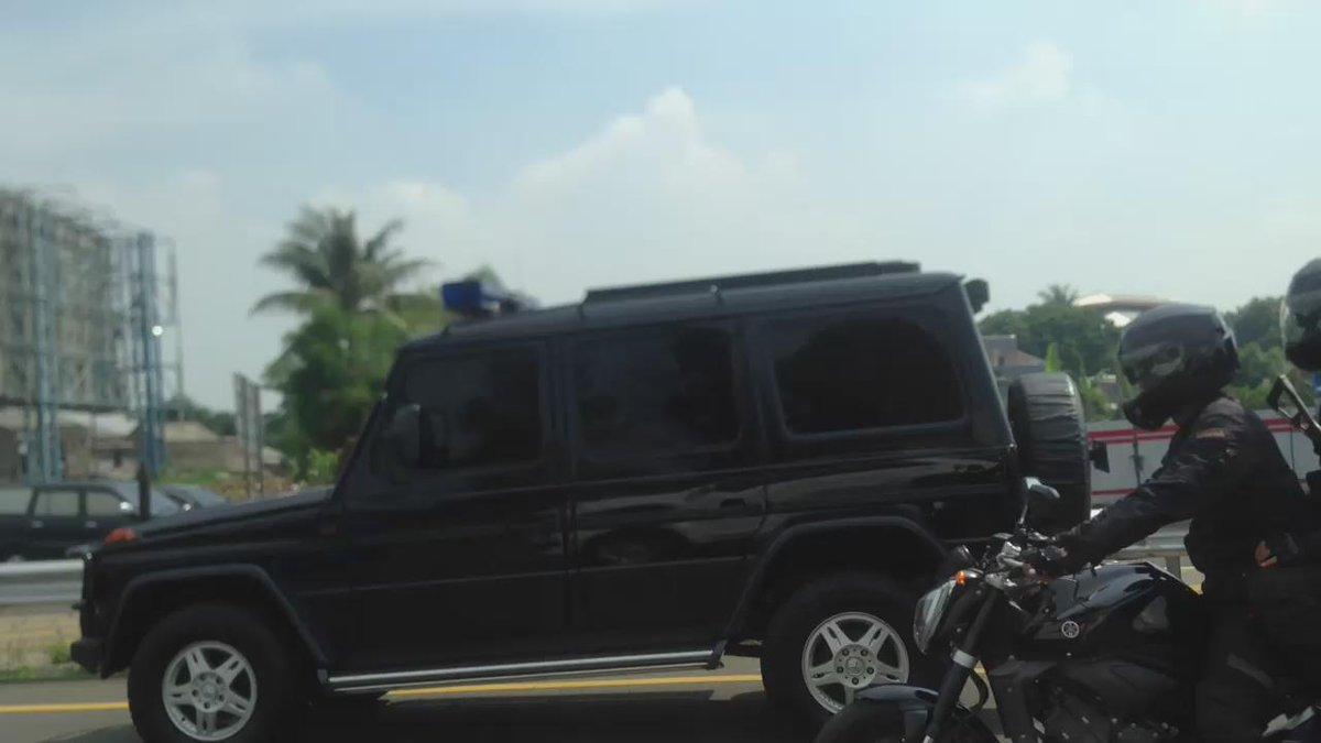 Didahului rombongan @Jokowi di Jagorawi, tanpa suara sirine, seperti biasa https://t.co/cjJWKcm9Op