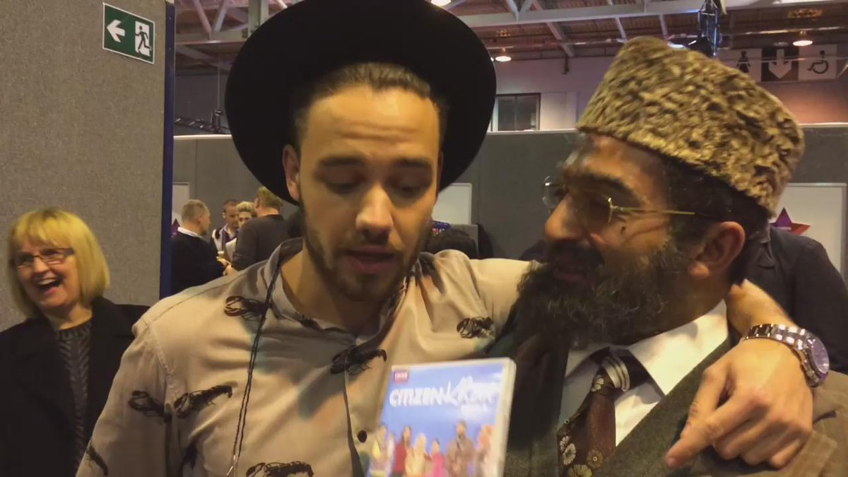 I met @Real_Liam_Payne from #onedirection #1d he's going to be in my next show. Citizen Khan tonight 8.30pm @bbcone https://t.co/LVQh3ADp6x