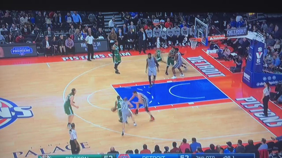 Andre Drummond for 3. From half court. At the buzzer. Of course. https://t.co/ujvXPPq73V