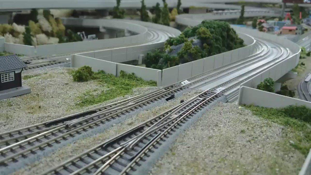#バスコレ史に残る奇行 #鉄道模型史に残る奇行 https://t.co/j2GL1kgJ35