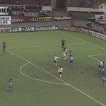 Riquelme vs River Plate - Libertadores 2000. Sensacional. https://t.co/xDzzXdOKvY