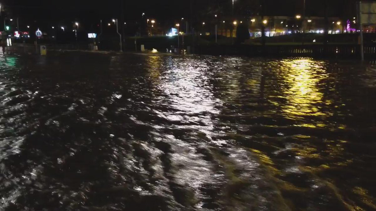 Kirkstall Road in #Leeds now a river #floods https://t.co/JhtOMqinXH (video from @Camera_Mikey) https://t.co/gqWO1cziJP