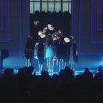 agora uma pausa pra ouvir o grupo harmonizando seu hit worth it talento é talento #4YearsOfFifthHarmony https://t.co/wHUBM58I3h