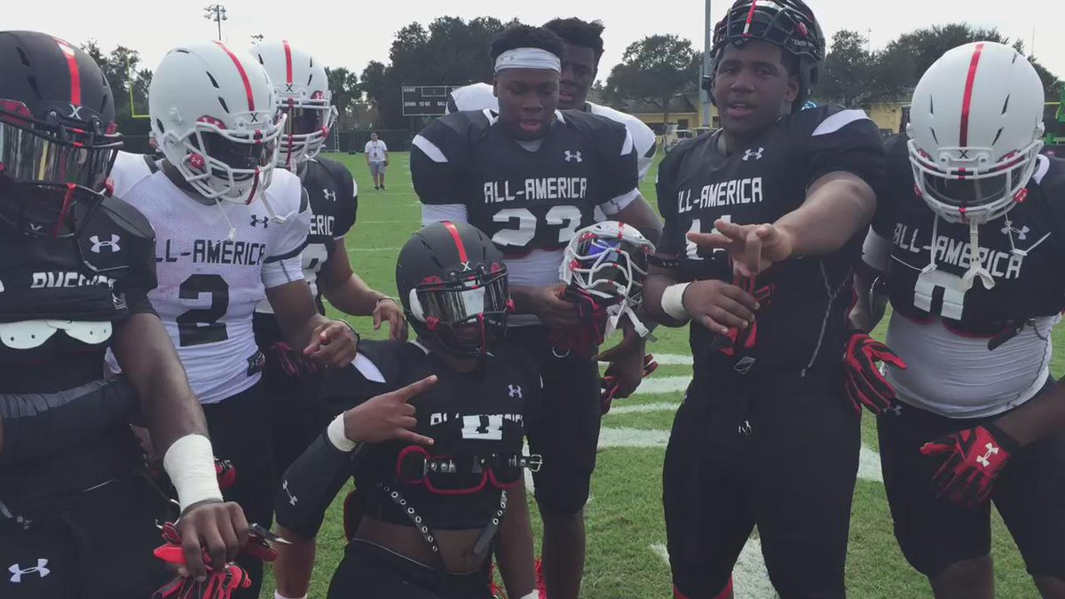 State of Texas representing at #UAAllAmerica this week: @DTRAIN__ @BlessedJones33 @Edoliver_11 @jmcculloch17 etc https://t.co/lGI7teIN7z
