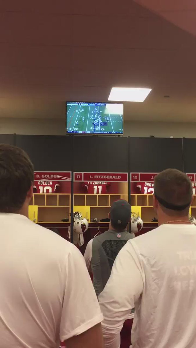 So awesome. Former #AZCardinals teammates watch ex-QB @RyanLindley14 throw TD pass for #Colts today. https://t.co/QCsXEE9f78
