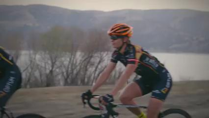 This video from @OPTUMpbKBS still makes us laugh in the Lazer office. Surely worth a RETWEET & LIKE! #cycling https://t.co/xWxc3Sltdy