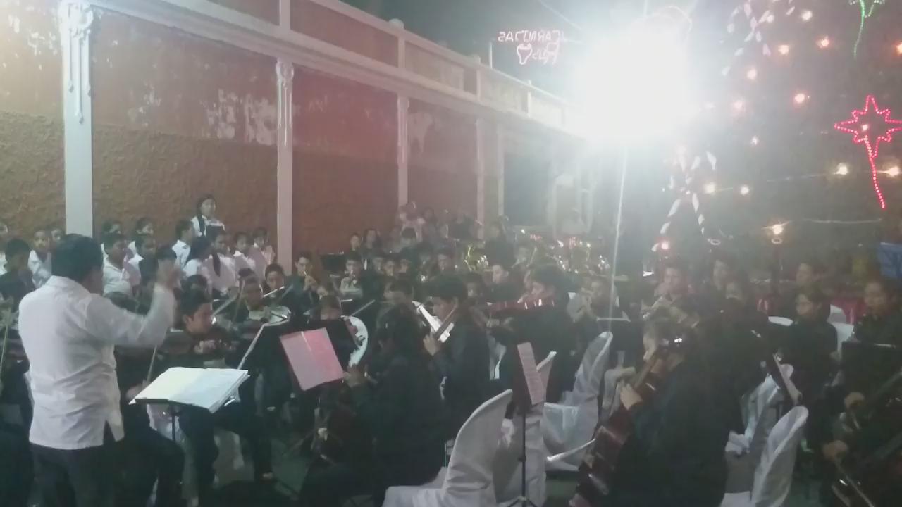 Ayer acompañamos magnífica presentación d Orquesta Juvenil Nvo San Carlos en #Retalhueu. Proyecto c/apoyo d @fazgua https://t.co/lLikfdTTma