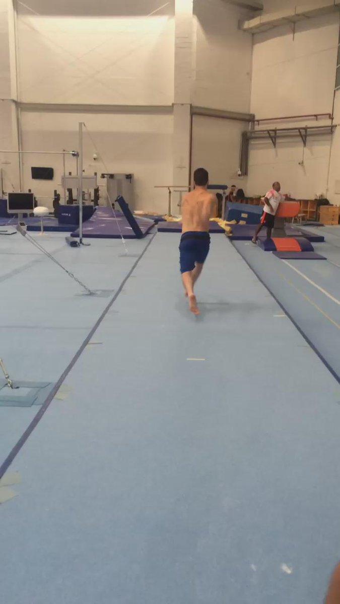 Voltando aos treinos https://t.co/8InhGJYiHA