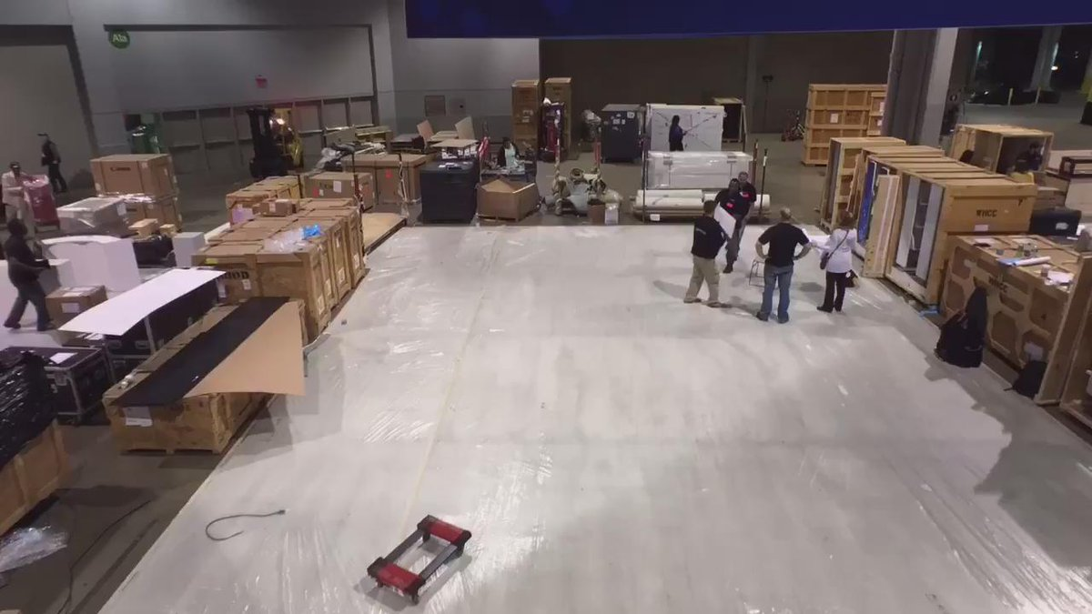 Here's a time lapse of #ImagingUSA setup and day 1 from the @WHCCpro booth. Come by and see us in booth #1111 https://t.co/EulhpXTvog
