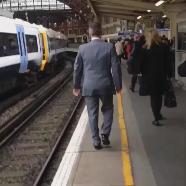 Serious man. https://t.co/bWj9nKIYZS