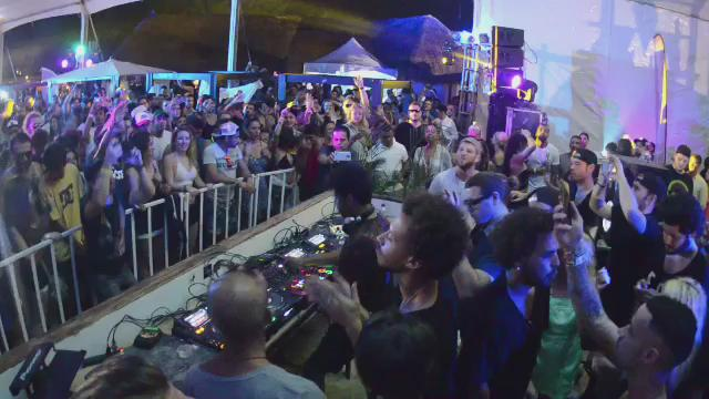 This is what happens when @JamieJonesMusic crashes the party. @TheBPMFestival @PlexiPR #BPM2016 https://t.co/xeSuLIjDVe