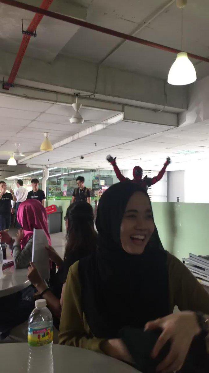 Deadpool's in campus yo https://t.co/8XfysCioc4