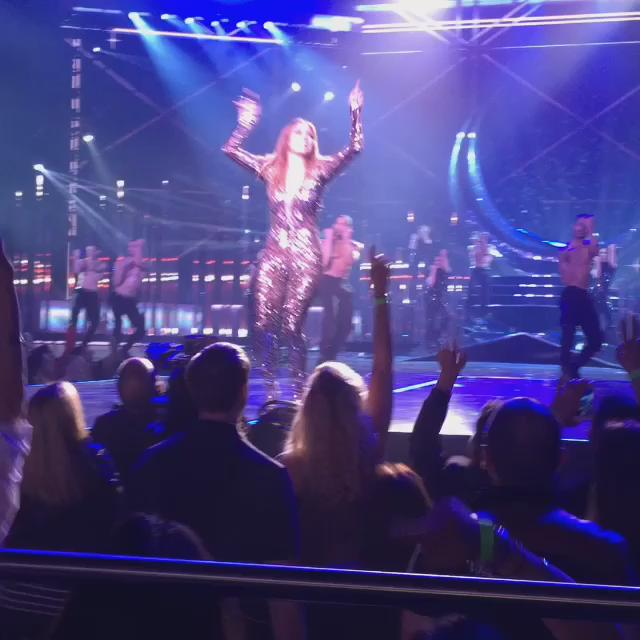 @jlo 's concert amazing, frontside seats wow, Lupe n @trish_the_nanny checking checking d choreography. Priceless ! https://t.co/AfiFl1ZSew