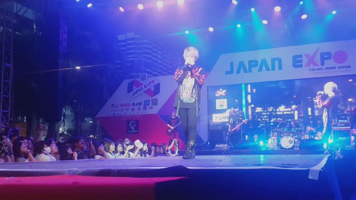 Thank you for coming to Thailand @sug_takeru #SuG #JapanExpoThailand #japanexpo2016 https://t.co/35Q7Xct279