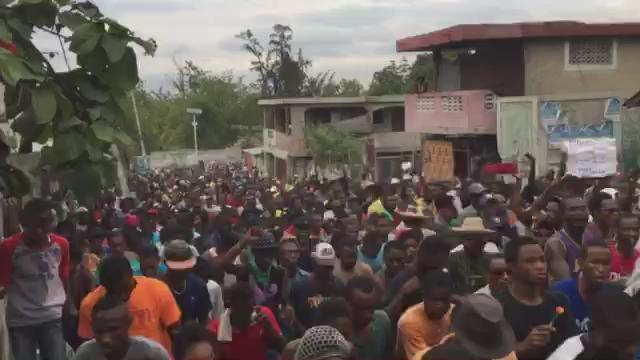 "#Haiti: Massive pro-democracy protests continue to rock capital ""We will not obey!"" https://t.co/GJZ5YAQqPJ"