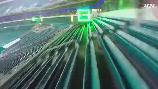 ドローンレースの映像やばい…!まさに、物理空間でのスターフォックスだ… Drone racing league/ https://t.co/Us94qE3XUw