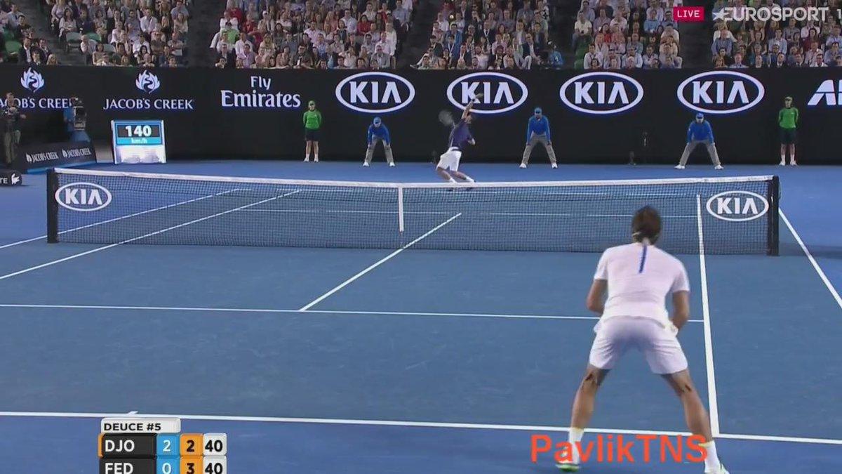 Magical point by Roger Federer! #hotshot #AusOpen https://t.co/r8Gg7JnkPL