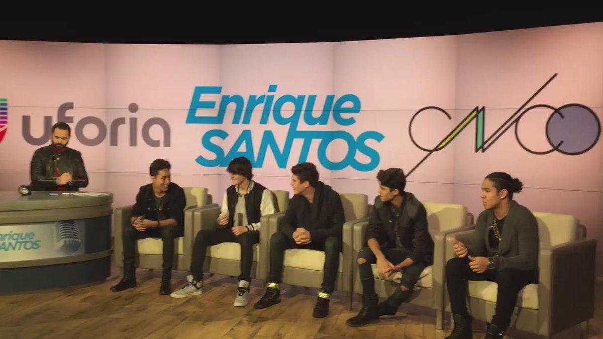 Los chicos de @CNCOmusic escuchando su tema #TanFacil por primera vez en la radio.  @enriquesantos https://t.co/7dDtgd94mC
