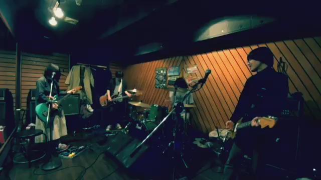 ナカノイズのリハでスプラトゥーンのコピバンやったけどすごく楽しかった。 https://t.co/zVOO37fKX8