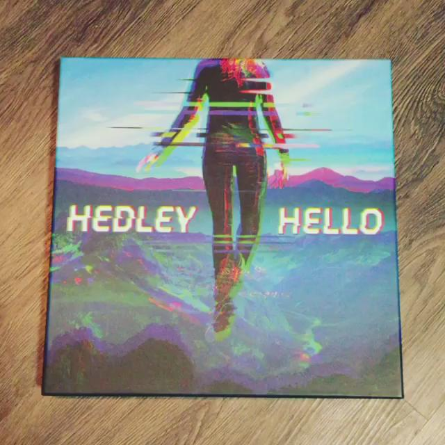It's #GiveawayFriday!! Who wants one of these #HelloVinyl packs?! RT for a chance to win! -TH https://t.co/mw6gRfg46M