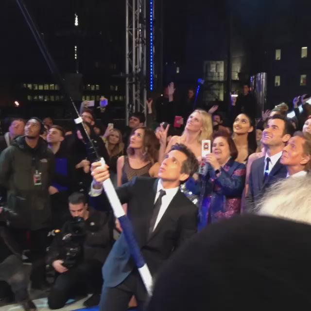 #BenStiller has a massive stick...because he's trying to break the record for longest selfie stick #ZoolanderLondon https://t.co/Fwb2pgob8g