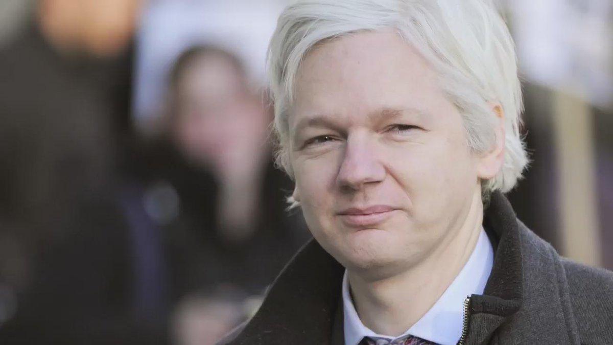Analysis: Julian #Assange is free to walk. But how far?  https://t.co/PgxKXhpKZJ @wikileaks https://t.co/jEJQ0Q3Cmh
