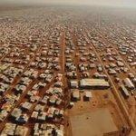 #مخيم_الزعتري   ان نسبة اللاجئين السوريين في المخيم 10% ممن يعيشون على الاراضي الأردنية   #الأزمة_السورية https://t.co/s2M17gLZ32