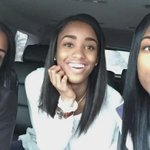 This is a mom w/ her twin daughters who are 16...the mom is 35?! Wow https://t.co/fdHjOhg4oF