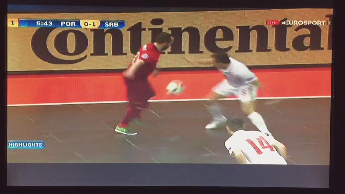 El mejor gol que he visto NO @ricardinho10ofi , NO PARTY!!! https://t.co/3Hb8hbhfQj