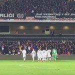 Yeni transferimiz #MarceloGuedes maç sonu taraftarlarımıza üçlü çektirdi. #Beşiktaş #Beşiktaşk https://t.co/ZW2XeyLDN2