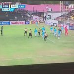 Terrible golazo de Tomás Costa en su debut con la camiseta de Peñarol. @NicoFilomeno https://t.co/f21N0fULNj