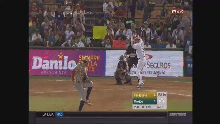 #SerieCaribeESPN Así coronó Jorge Vázquez a #Mexico. Jonrón para dejar en el campo a #Venezuela en #LaFinal 5-4 https://t.co/7GZao91MiS