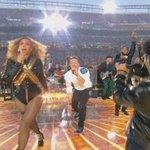 ColdPlay, Beyonce y Bruno Mars la armaron en grande en el show de medio tiempo del #SuperBowl https://t.co/bBjB8QYPCD