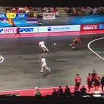 QUE BARBARIDAD de gol acaba de hacer @ricardinho10ofi este tio es de otro mundo https://t.co/EmJB9VHMSr