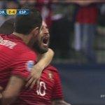 ¡Otra obra de arte de Ricardinho! Menudo golazo marcó a España el portugués #FutsalEuroMEGA https://t.co/zofozYDazX