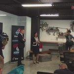 Prem @AnnastaciaMP delivers speech at pizza HQ @abcnews #qldpol https://t.co/vJc5gq3vQD
