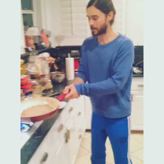 Pancake pro in the house. #PancakeDay #blastfromthepast https://t.co/6CQ7F9vxf6