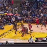 Steph Currys strip and subsequent behind the back pass to start the fast break - a vine will not do this justice https://t.co/TQEso57AmQ