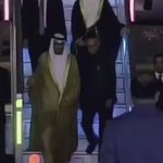 #بالفيديو: لحظة وصول محمد بن زايد الى نيودلهي، ورئيس الوزراء الهندي في مقدمة مستقبليه. #زيارة_محمد_بن_زايد_للهند https://t.co/Ya2jiCHspe
