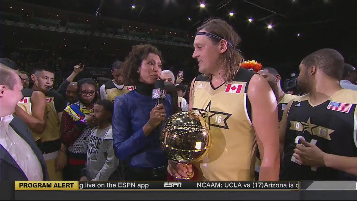 "Bad look for ESPN/Sage Steele to short-circuit Win Butler and draw a bright line between ""celebrity stuff""/politics. https://t.co/e5TLIzZV4u"