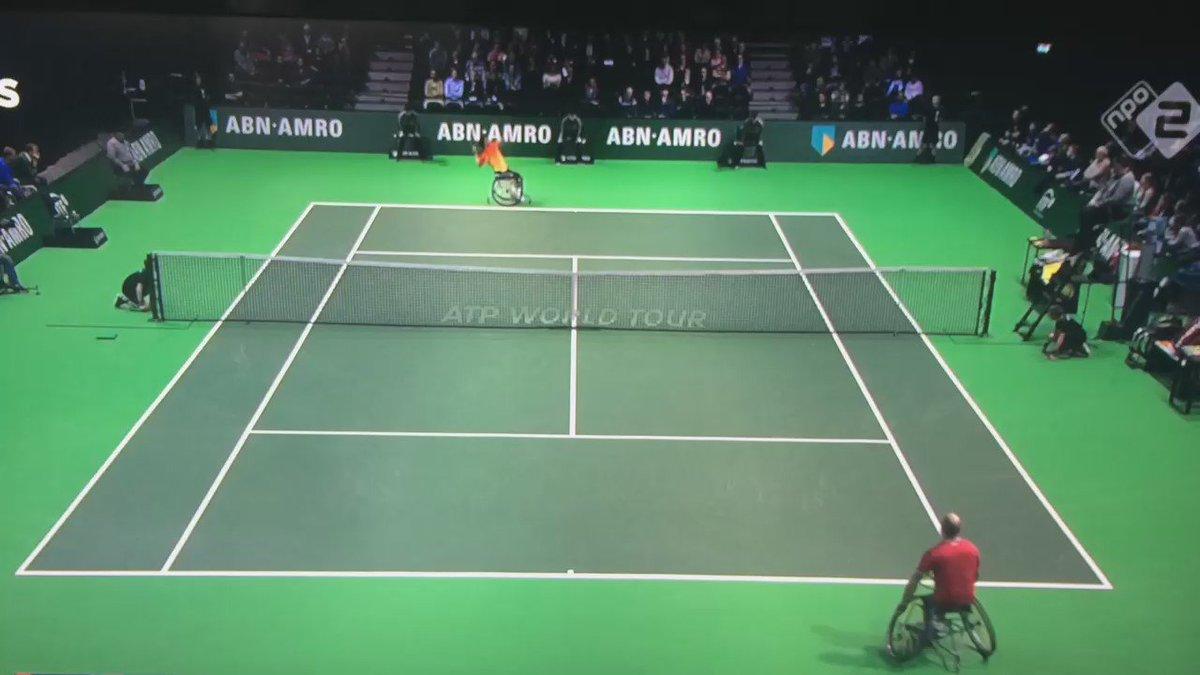 """Waanzinnig! @NOSsport zendt een samenvatting uit van finale rolstoeltennis @abnamrowtt #watjeaandachtgeeftgroeit  https://t.co/jxGKpfx6wC"""""""